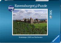 Für den Einsteiger: Puzzeln Sie die fotorealistische Rekonstruktion der Kastellburg Neuleiningen des Jahres 1620 aus der Nordwestansicht. Sie erhalten ein qualitätsvolles Ravensburger-Puzzle (500 Teile). Maße des fertigen Puzzles: 43