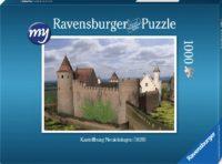 Für den fortgeschrittenen Puzzler: Puzzeln Sie die fotorealistische Rekonstruktion der Kastellburg Neuleiningen des Jahres 1620 aus Südwesten. Sie erhalten ein qualitätsvolles Ravensburger-Puzzle (1000 Teile). Maße des fertigen Puzzles: 69